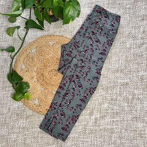 Lularoe Leggings Size OS Grey with Pattern